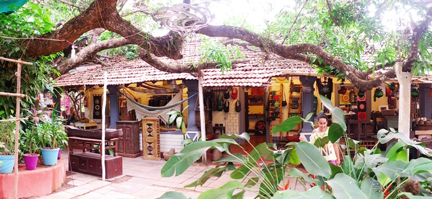 Artjuna lifestyle shop and cafe